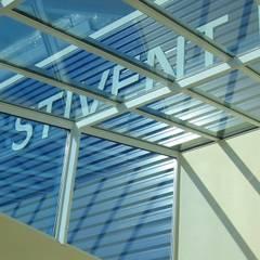 PORTFOLIO: Maisons de style de style Industriel par ALFA Architecture