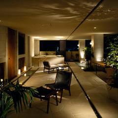 THE HOUSE OF MOLS: 森裕建築設計事務所 / Mori Architect Officeが手掛けたベランダです。