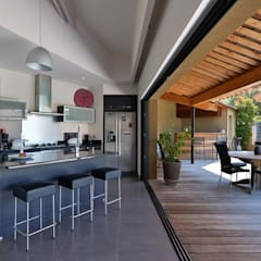 Kitchen by Atelier Jean GOUZY