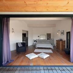 Création Maison / Plan de Cuques : Chambre de style  par Atelier Jean GOUZY
