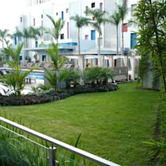 RIU PLAZA PANAMA HOTEL - PANAMA CITY:  Garden by TARTE LANDSCAPES