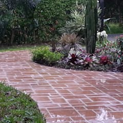 COUNTRY HOME - EL VALLE, PANAMA:  Garden by TARTE LANDSCAPES, Country