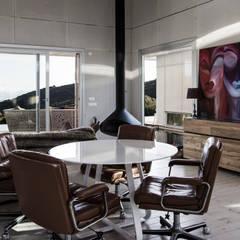 TARIFA HOUSE: Salas de estilo  por james&mau