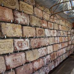 Doğaltaş Atölyesi – Dirty Hands -Yazılı Antik Tuğla :  tarz Duvarlar