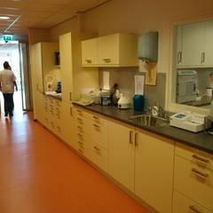 laboratorium:  Ziekenhuizen door Brenda van der Laan interieurarchitect BNI
