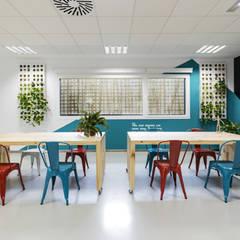 U-Talent-Room: Salas multimedia de estilo ecléctico de GIVEME5.es