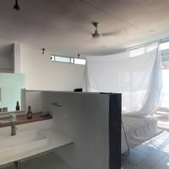 Hotel AIKIA: Spa de estilo minimalista por REC Arquitectura