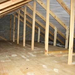 Folding ladder and storage floor:  Study/office by Loftspace, Minimalist
