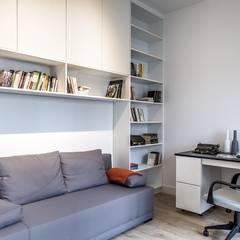 Mieszkanie z charakterem dla singla: styl , w kategorii Domowe biuro i gabinet zaprojektowany przez Perfect Space