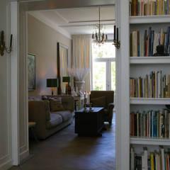 Oficinas de estilo clásico de Robbert Lagerweij Interior Design Clásico Madera Acabado en madera