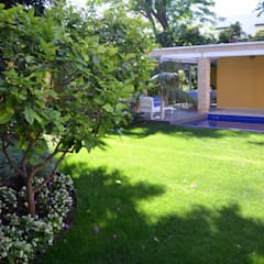 """Ca Nostra"" single family house and swimming pool: mediterranean Garden by Tono Vila Architecture & Design"