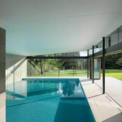 Moat Cottage:  Pool by Reid Architects