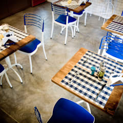 RESTAURANTE CHIPPER: Gastronomía de estilo  por Lucy Attwood Interior Design + Architecture