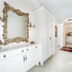 Öykü İç Mimarlık – Bursa Misspark Villa:  tarz Koridor ve Hol,