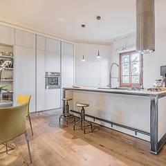 Soggiorno&Cucina Open space: Soggiorno in stile in stile Moderno di Facile Ristrutturare