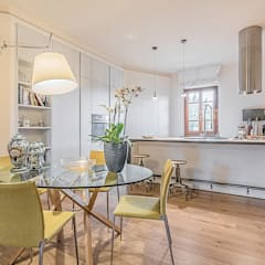 Ristrutturazione appartamento Firenze, Montelupo Fiorentino: Soggiorno in stile  di Facile Ristrutturare