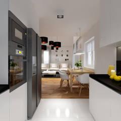 Projekt metamorfozy wnętrz wielopokoleniowego domu w Krynicy Zdrój: styl , w kategorii Kuchnia zaprojektowany przez PRØJEKTYW | Architektura Wnętrz & Design