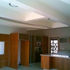CASA FIERRO : Muebles de cocinas de estilo  por SG Huerta Arquitecto Cancun ,