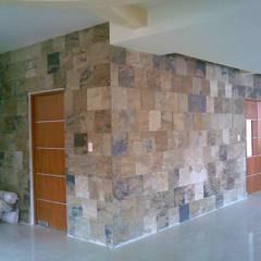 CASA FIERRO : Pasillos y recibidores de estilo  por SG Huerta Arquitecto Cancun , Ecléctico Pizarra
