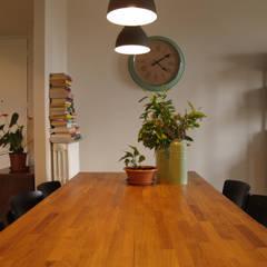 SOGGIORNO: Sala da pranzo in stile  di Archenjoy - Studio di Architettura -
