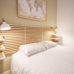 Diseño Acogedor Minipiso en el centro de Málaga: Dormitorios de estilo  de DIKA estudio