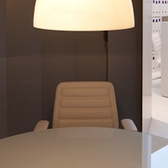 Showroom Espaços comerciais minimalistas por Padimat Design+Technic Minimalista