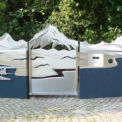 """Edelstahl Tore """"Yukon"""" Moderner Garten von Edelstahl Atelier Crouse - individuelle Gartentore Modern Metall"""
