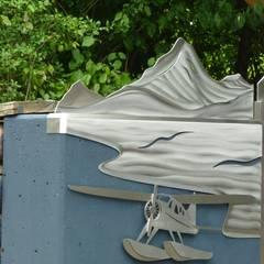 """Edelstahltore """"Yukon"""" Moderner Garten von Edelstahl Atelier Crouse - individuelle Gartentore Modern Metall"""