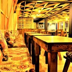 Tapicería por Yolanda Amaro.: Comedores de estilo rústico por Esse Studio