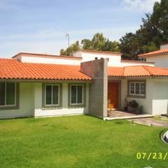 CASA WILMA : Casas de estilo  por SG Huerta Arquitecto Cancun