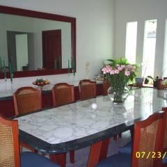 CASA WILMA : Comedores de estilo clásico por SG Huerta Arquitecto Cancun