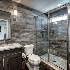 Award Winning Winslow Project:  Bathroom by Futurian Systems, Classic