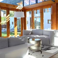 Modern living room by M&M Designs Modern
