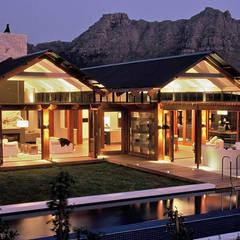 Modern houses by M&M Designs Modern