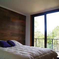 Casa R / Valdivia: Dormitorios infantiles de estilo  por Smartlive Studio