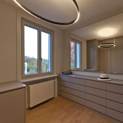 Sanierung nach Mass:  Ankleidezimmer von Juho Nyberg Architektur GmbH