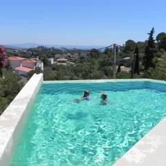 Swimming pool designs: modern Pool by Tono Vila Architecture & Design