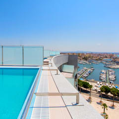 Luxury Apartment Building Marina Plaza, Portixol: modern Pool by Tono Vila Architecture & Design