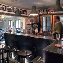 Whisky Bar :  Weinkeller von w. raum Architektur + Innenarchitektur