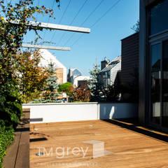 Classic Wilanow - Warsaw: styl klasyczne, w kategorii Domy zaprojektowany przez TiM Grey Interior Design