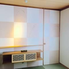 和モダン: 株式会社KIMURA  bi-Artが手掛けた壁です。,