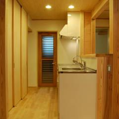 音の家 前橋市: 田村建築設計工房が手掛けたキッチンです。