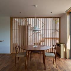 HOUSE O: 柳瀬真澄建築設計工房 Masumi Yanase Architect Officeが手掛けたダイニングです。