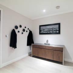 Wharf Road, Islington:  Corridor & hallway by Patience Designs, Modern