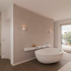 Bathroom by Egg and Dart Corporation GmbH & Co.KG | München