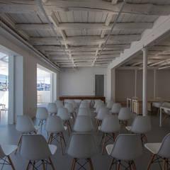 TYPOGRAPHIA: Escritórios e Espaços de trabalho  por a*l - alexandre loureiro arquitectos,Industrial