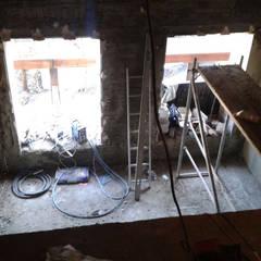 Zdjęcie wykonane podczas pierwszej wizyty na mieszkaniu: styl , w kategorii Ściany zaprojektowany przez Viva Design - projektowanie wnętrz
