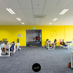 Roadbull Logistics:  Offices & stores by Y&T Pte Ltd