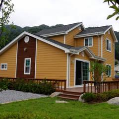 가평 마일리 목조주택: Timber house의  주택