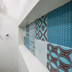 Banheiro Bom Fim: Banheiros  por Camila Chalon Arquitetura